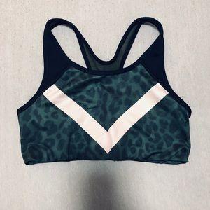 VS Pink Leopard Ultimate Sports Bra
